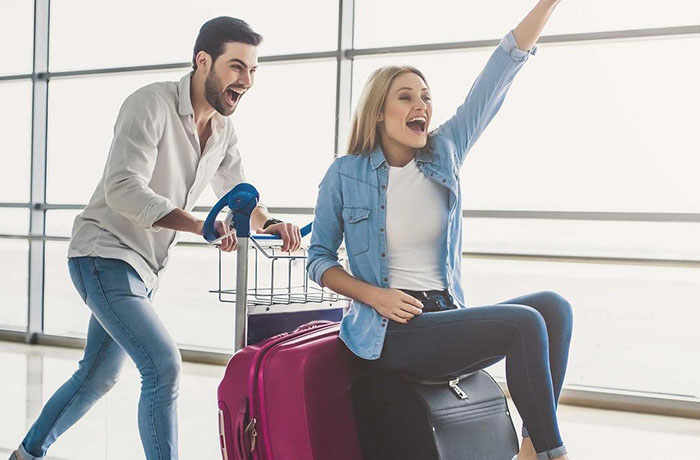 Какой чемодан лучше: пластиковый или тканевый
